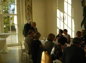René Pöltl bei seiner Begrüßung im Schlossrestaurant