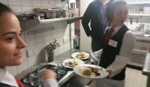 Im Service hatten wir tatkräftige Unterstützung aus der renommierten Hotelfachschule aus Spoleto.