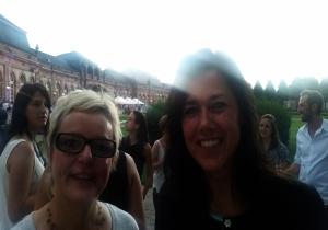 Betty Kübe (Geschäftsleitung Uni Mannheim) und Ina Lacher hatten Spaß.